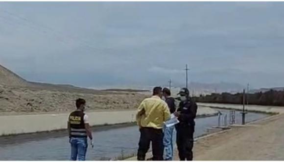 La Libertad: Agentes de la Depincri-Virú llegaron hasta la zona y realizaron el levantamiento del cadáver para trasladarlo a la morgue. (Foto: Difusión)
