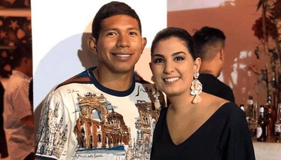 Ana Siucho junto a su esposo, el futbolista Edison Flores. (Foto: @ana_siucho53)