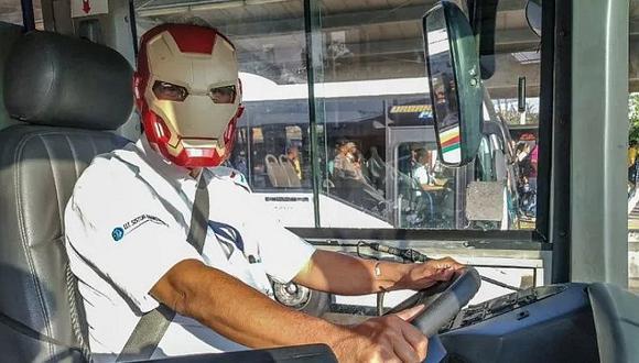 "Chofer de bus, fanático de ""Avengers: Endgame"", se luce con la máscara de 'Iron Man'"