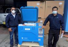 Llegan 20 congeladoras solares para conservar vacunas contra el COVID-19 en zonas lejanas de Pasco