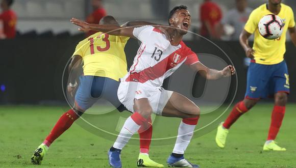 Ecuador supera ampliamente y gana 2-0 a Perú