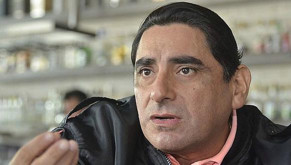 Carlos Álvarez denuncia maltrato a reconocida aerolínea