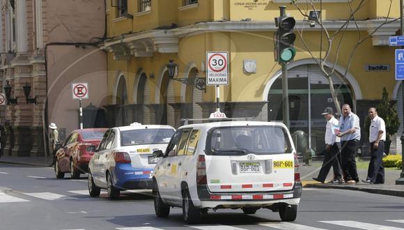 Municipalidad de Lima instala carteles restringiendo velocidad en el centro histórico