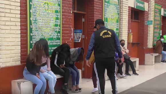 Las detenidas, integrantes de la banda 'Las Muñecas de la Mafia' habían sido capturadas a comienzos del presente año por el mismo delito. (Foto: PNP)