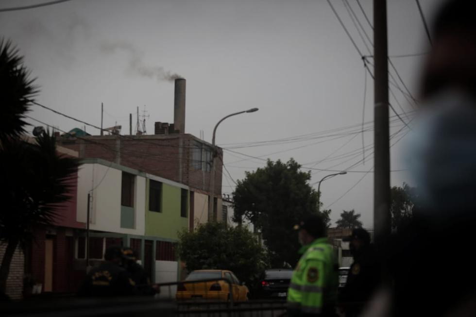 A una semana de la muerte del cabecilla terrorista Abimael Guzmán, las instalaciones de la Morgue del Callao permanecen resguardadas por un contingente policial en prevención a cualquier eventualidad y ante la próxima cremación de los restos. (Foto: César Grados)