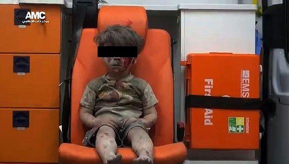 Foto de niño rescatado en bombardeo es símbolo de la guerra en Siria