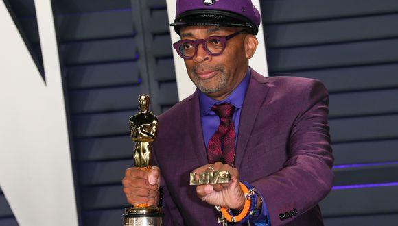 """El ganador del Mejor Guión Adaptado para """"BlackKklansman"""", Spike Lee, asiste a la Vanity Fair Oscar Party de 2019. (Foto: AFP)"""