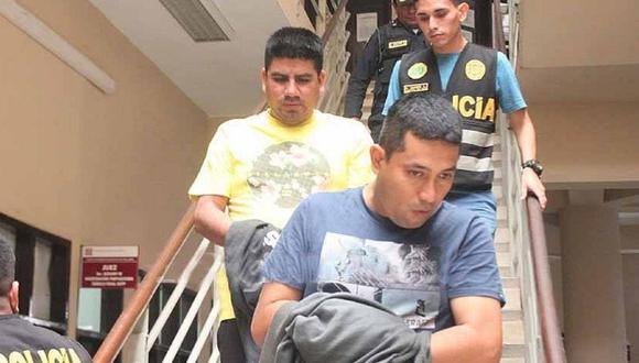 Piura: La Fiscalía Anticorrupción de Sullana solicitó 6 años de prisión áralos policías Donny Baldemar Mendoza Santur (36) y César Edú Alburqueque Silva (32), acusados de pedir una coima de 100 dólares a una ciudadana ecuatoriana.