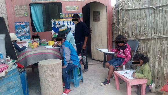 Admirable adolescente de 14 años ayuda y dicta clases a niños desde el patio de su vivienda, en Arequipa (Foto: Andina)