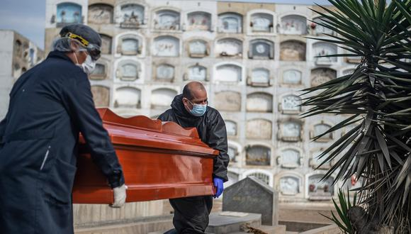 Minsa informó este lunes sobre un incremento en la cifra de muertos por COVID-19. (Foto: AFP).