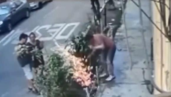 Ángel Palomino Guardia sufrió una descarga eléctrica cuando realizaba arreglos en un jardín situado en Breña. (Captura: América Noticias)
