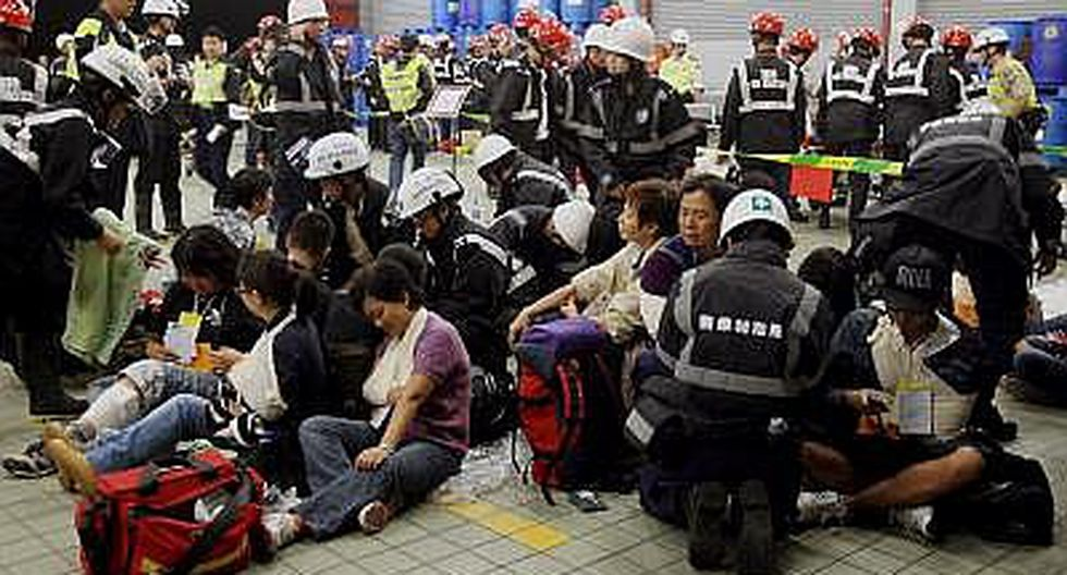 Simulacro de accidente de avión en emergencia acaba con diez heridos