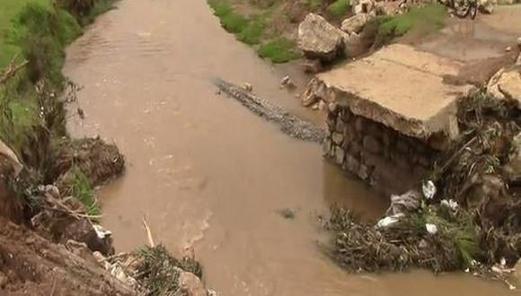Junín: Río se desborda, destruye puente de 60 años y afecta a 80 familias (Foto: Andina)