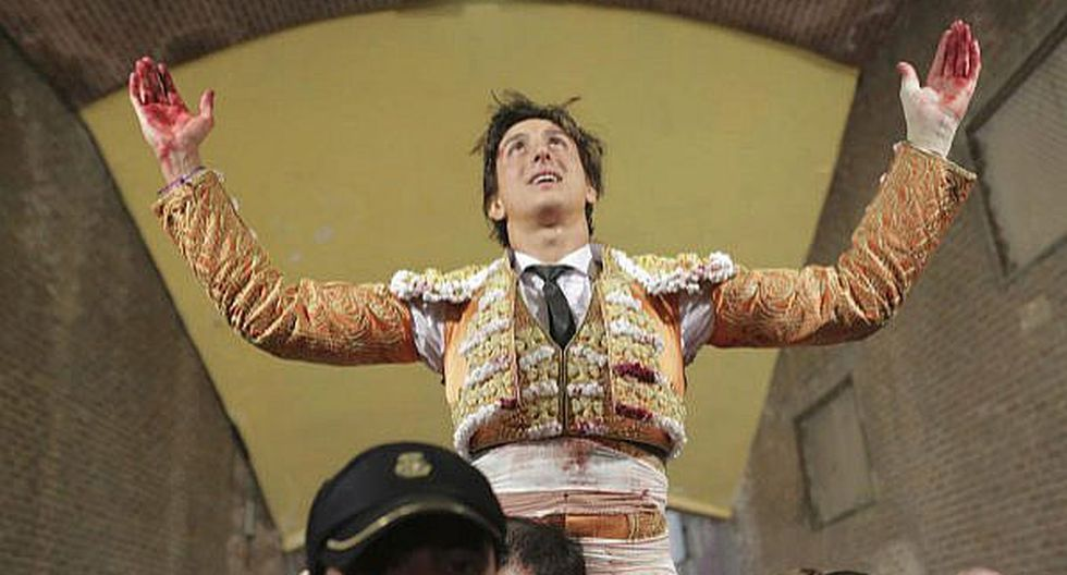 Torero peruano Andrés Roca Rey es cogido, le cosen herida de 8 cm y triunfa