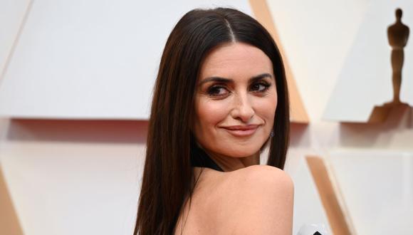 Esta vez la actriz dejó boquiabiertos a todos con un nuevo estilo de corte que según la revista Vogue España, es conocido como corte de pelo 'efecto cabello sano'. (Foto: Robyn Beck / AFP).