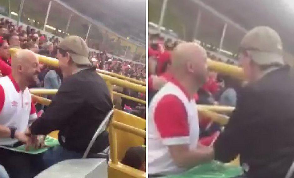 La emotiva forma en que un hombre le cuenta un partido de fútbol a su amigo ciego