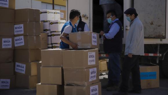 Arequipa: Fiscalía investiga de oficio hallazgo de 43 toneladas de medicinas y equipos de protección personal guardados en almacén de la Geresa.