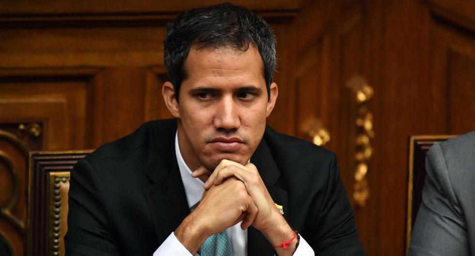 Juan Guaidó es blanco de múltiples procesos judiciales desde que se proclamó mandatario interino en enero de 2019. (AFP / Yuri CORTEZ)