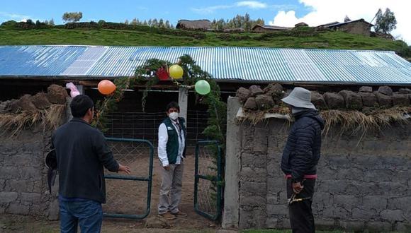 Ayacucho: Agro Rural entrega 66 cobertizos a familias ganaderas para proteger de heladas a más de 6 mil cabezas de ganado. (Foto: Agro Rural)