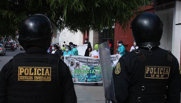 Piura: personal de salud protesta a las afueras de la Corte Superior de Justicia (Foto referencial GEC)