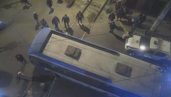 Serenos de la comuna limeña evitaron colisión de un tren contra un bus en la línea férrea. (Foto: Municipalidad de Lima)