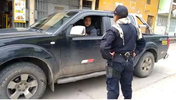 Ancash. Preciso instante cuando el policía interviene al consejero regional Edgardo Solís. (GEC)