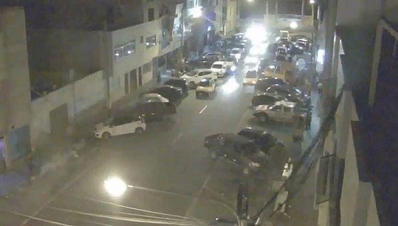 Chimbote: cámara de seguridad graba fuerte sismo de 5.6 grados (VIDEO)