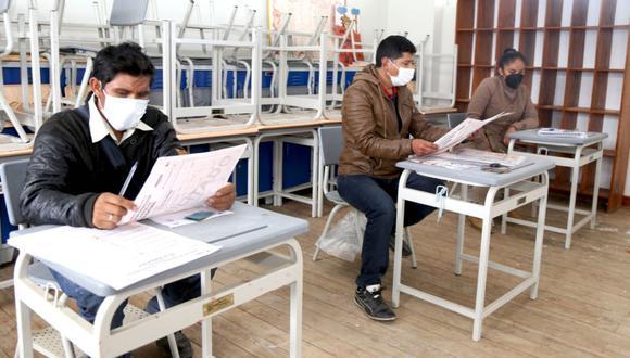 La ONPE solicitó, especialmente a los electores jóvenes, asumir, de darse el caso, la conducción de las mesas de sufragio, por posibles demoras en su instalación, como establece la Ley Orgánica de Elecciones (Ley 26859). (Foto: ONPE)
