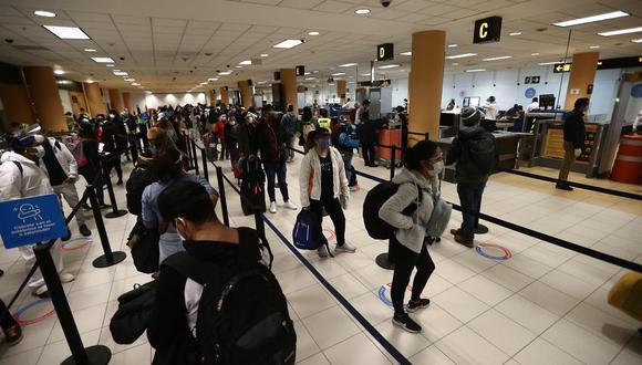 Las empresas aéreas retomaron la operación de vuelos internacionales el pasado lunes 5 de octubre. (Foto: Jesus Saucedo / GEC)
