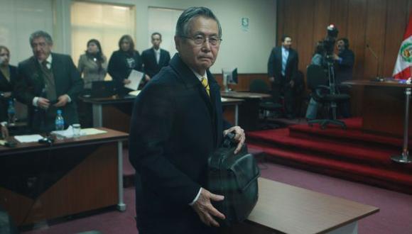 """Fujimori está siendo asistido por oxígeno """"para elevar su saturación normal"""", informa penal de Barbadillo. (Foto: Archivo El Comercio)"""