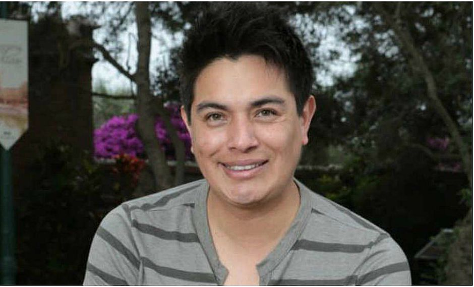 Leonard León cantó sentado en Paracas luego de accidente