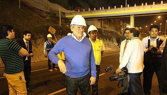Luis Castañeda justificó así caída de su aprobación a cargo de la Municipalidad de Lima