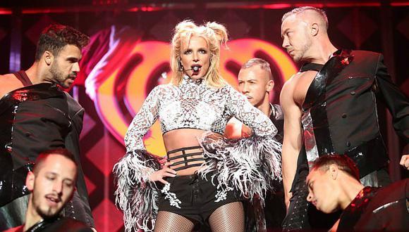 ¿Britney Spears confirma relación con guapo modelo?