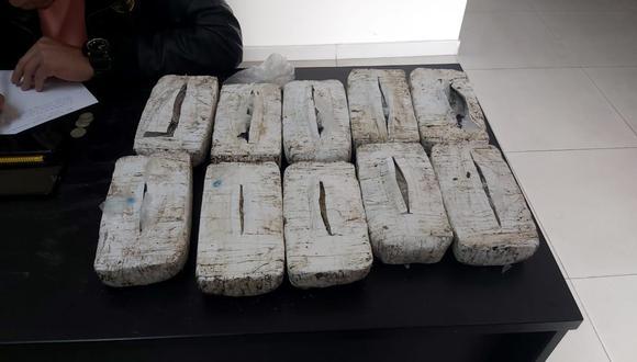 Estos son los diez paquete con droga tipo ladrillo que estaban camuflados en un saco con papas. (Foto: PNP)