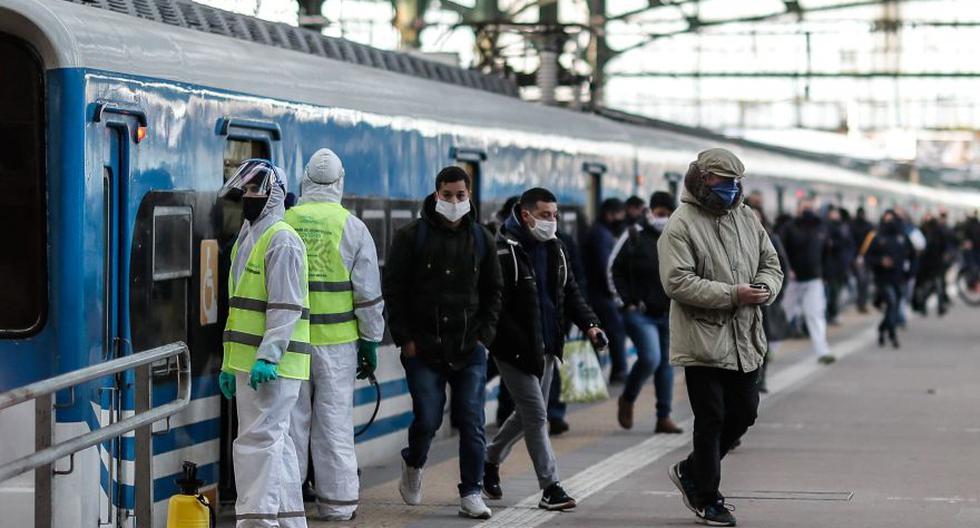 Imagen referencial. Personas circulan en la Estación Ferroviaria de Constitución en la ciudad de Buenos Aires (Argentina). (EFE/Juan Ignacio Roncoroni).