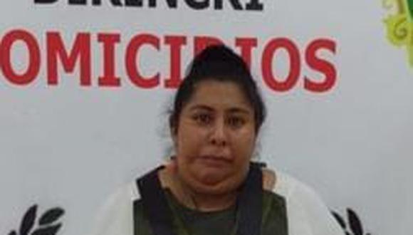 La pseudo doctora Lucía Pérez Leyva (24) es investigada en la DIRINCRI.