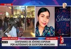 Largas filas de jóvenes en la firma de libros de escritora Flor Salvador en Plaza San Miguel