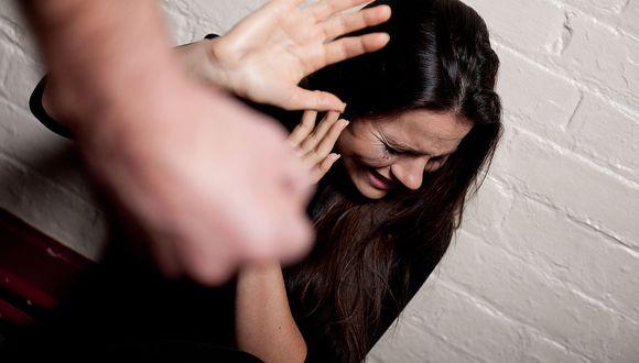Mujer regresa a su casa y encuentra a su esposo abusando sexualmente de su hija de 15 años