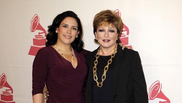 """Angélica Vale y su madre disfrutan del éxito de su programa """"Angelicales"""" en YouTube. (Foto: EFE)"""