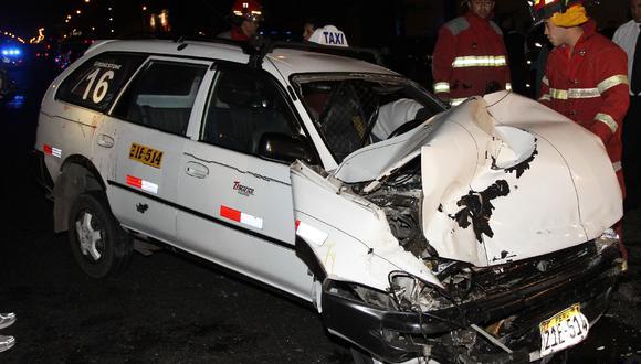 Accidente Vehicular en Surquillo deja cuatro heridos