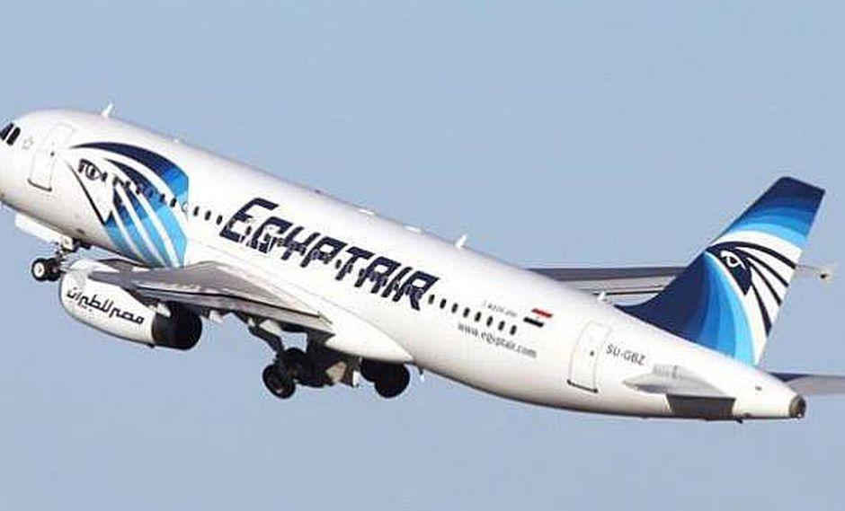 Avión, con 66 personas, que iba de París a El Cairo desaparece de radar