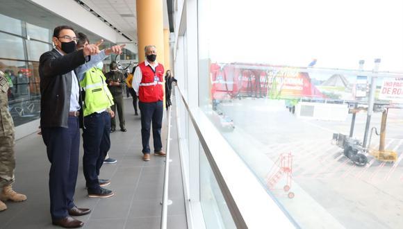 Martín Vizcarra asegura que estamos preparados para un rebrote del nuevo coronavirus ante el reinicio de vuelos internacionales en el aeropuerto Jorge Chávez.(Foto: Presidencia del Perú)