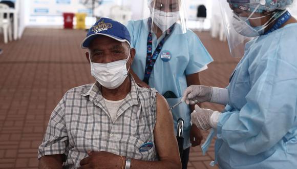 El proceso de vacunación a los afiliados a los seguros privados comenzará el 29 de marzo. (Foto: Jesus Saucedo/ @photo.gec)