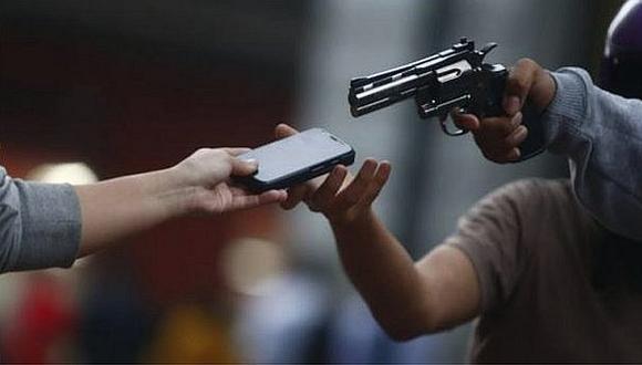 Según informó Osiptel en febrero último, en el Perú se registran 6 mil robos de celulares al día.  Foto referencial (GEC)