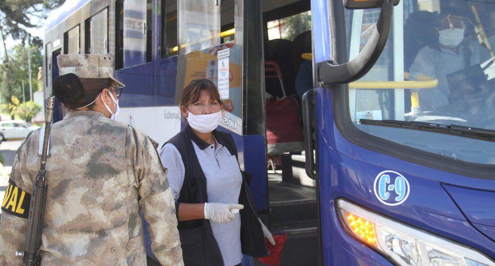 Arequipa: Una de las medidas para reinicio del transporte público es que los cobradores se sometan a pruebas de COVID-19 de manera obligatoria. (foto referencial)