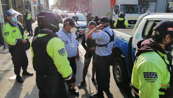 Con el apoyo de efectivos de la comisaría de Petit Thouars, la detenida fue conducida a la sede policial para las diligencias de ley. (MML)