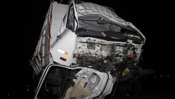 Choque de camiones en la Panamericana Norte deja un muerto