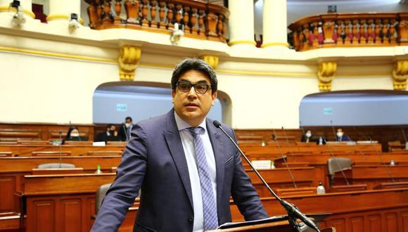 El titular de Educación enfatizó que el retorno dependerá exclusivamente del compromiso de todos los peruanos para trabajar por la salud y la mejora sustancial de las condiciones sanitarias. (Foto: Congreso)