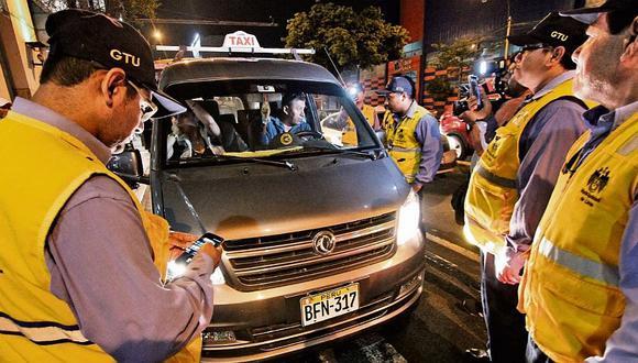 Municipalidad de Lima declara guerra a los colectiveros y le quita sus placas