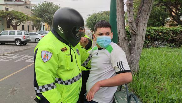 André Isaac Corredor Hidalgo y el vehículo menor fueron trasladados a la comisaría de Sagitario. Se comprobó que no contaba con licencia de conducir. (Foto: Municipalidad de Surco)
